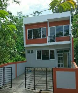 Selorejo villa - green, cozy, fresh - Semarang - Hus