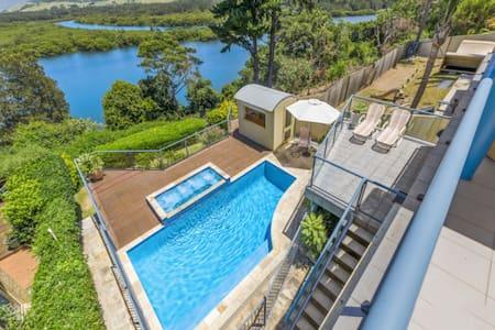 Minnamurra Beach House with Stunning Views!! - Kiama Downs - House