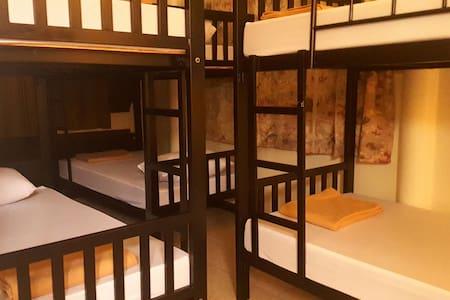 Super Hostel Lady Dorm room with Jacuzzi Spa - Pak Kret - Bed & Breakfast