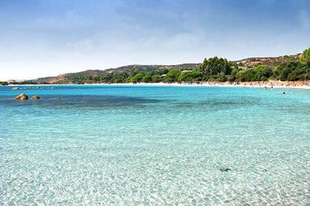 1 min de la plage, haut de villa neuf 140 m2 - Vila