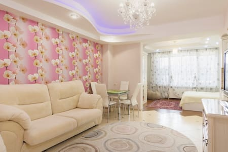 New apartment near the Black sea (300m) - Leilighet