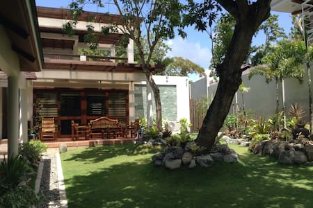 Baclayon Residencia - Bed & Breakfast