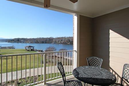 The Lakefront Condo - 117 1 Bedroom condo with Lake View - Egyéb