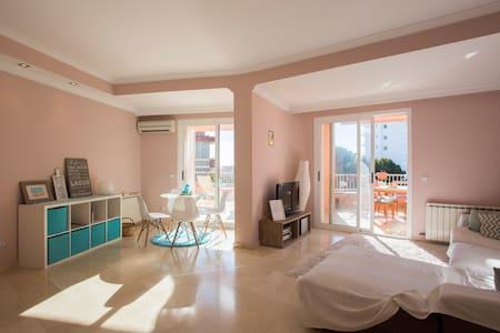 Cute private guestroom in Son Veri - Llucmajor