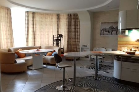 Room with own bathroom near Airport - Khimki - Apartment