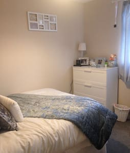 Room to rent in Barnstaple - House