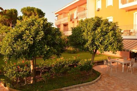 Fantastica villa sul mare Jonio - Guardavalle Marina