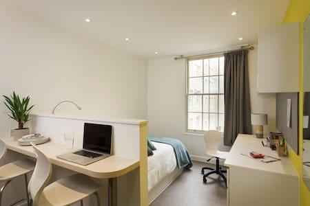 Green Park House Accommodation (Single Studio 2) - Bath
