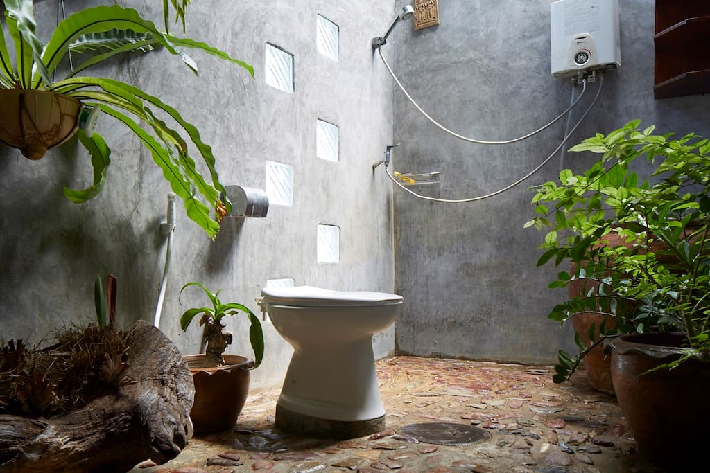 Coconut House Thai bathroom w/ hot water shower