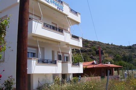 Lambros Studios & Apartments - Tertsa - Daire