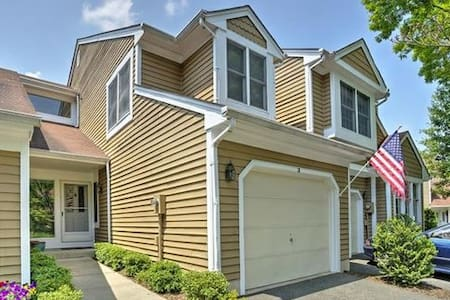 Quiet, Comfortable Townhouse - Bedminster Township