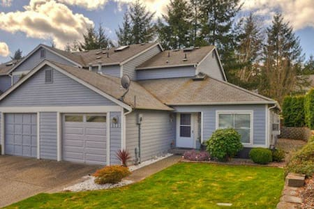 Convenient Townhouse - Silverdale - Townhouse