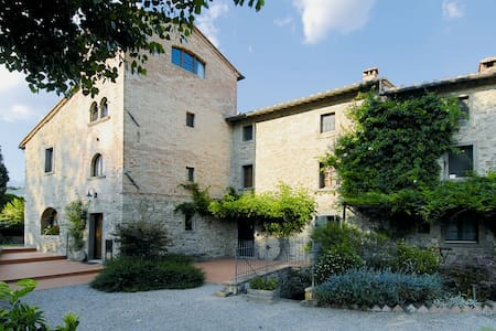 Torre Suite. One bedroom Tower house with Pool - Cortona - Apartemen