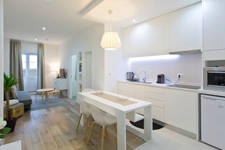 Modern Apartment at Casa da Música - Porto - Daire