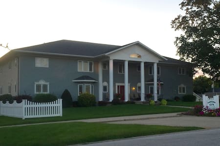 Furnished apartment close to downtown Carroll - Carroll - Appartement