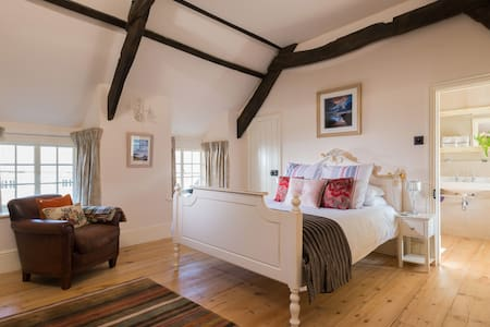 Trevigue Big Cam Room - Bed & Breakfast