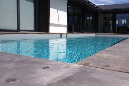 Villa avec piscine chauffée - Arzon