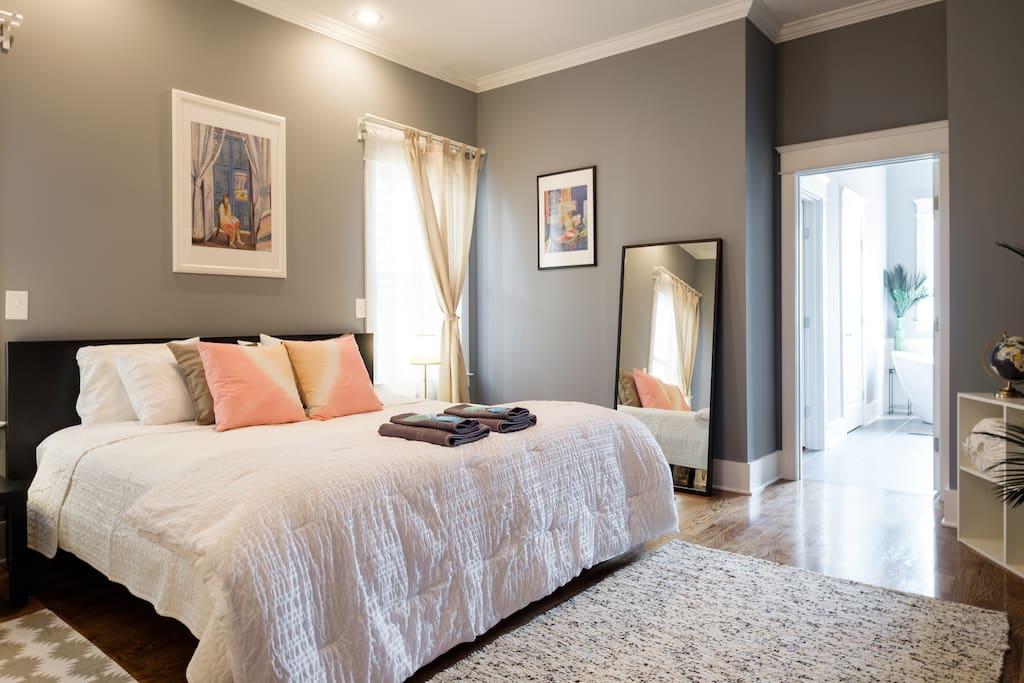 Luxurious Brand New East Nashville House Sleeps 12