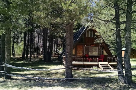 Cozy Cabin Close to Everything ! - South Lake Tahoe - Chalet