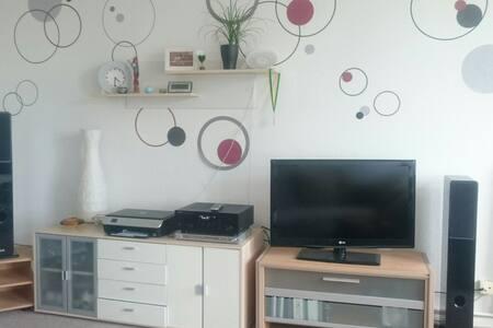 Schöne Wohnung im ruhigen Schönholz - Berlijn