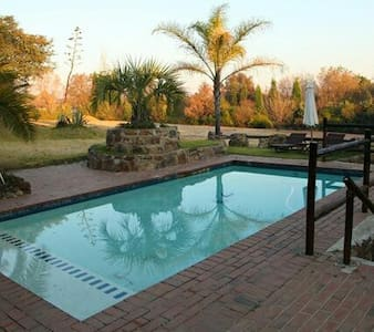 A Little Paradise Guest House - Midrand - Bed & Breakfast