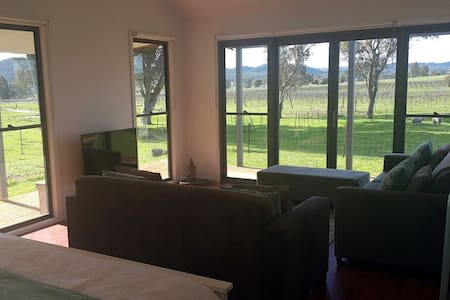 The Studio Overlooking the Vines, Mudgee - Appartement