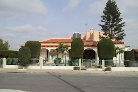 Villa with Swimming Pool & Garden & full amenities - Dali
