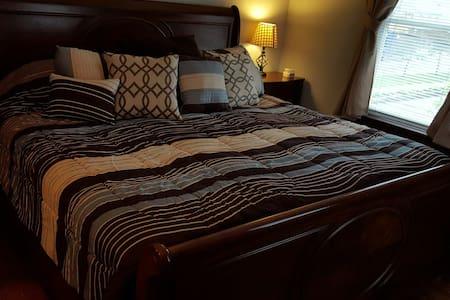 Circa 33  King bed room 1 - Lainnya
