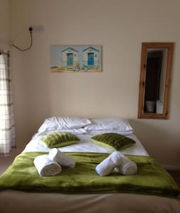 The Double Room @ The Poacher       Room 2 - Guesthouse