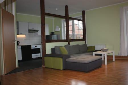 Schönes Apartment in Flussnähe - Pis