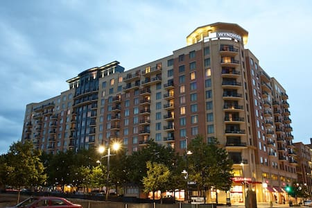 Wyndham National Harbor 1 BR Deluxe w/ Balcony (2) - Fort Washington - Wohnung