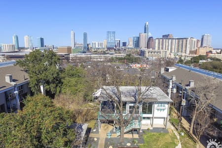 Downtown Austin Skyline Loft!