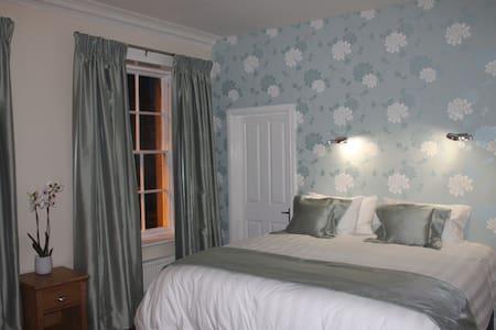 Iris Bedroom - Birkenhead - Rekkehus