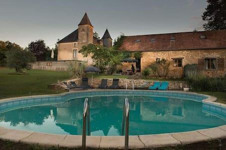Gite Daisy,Chateau Des Etoiles - Apartment