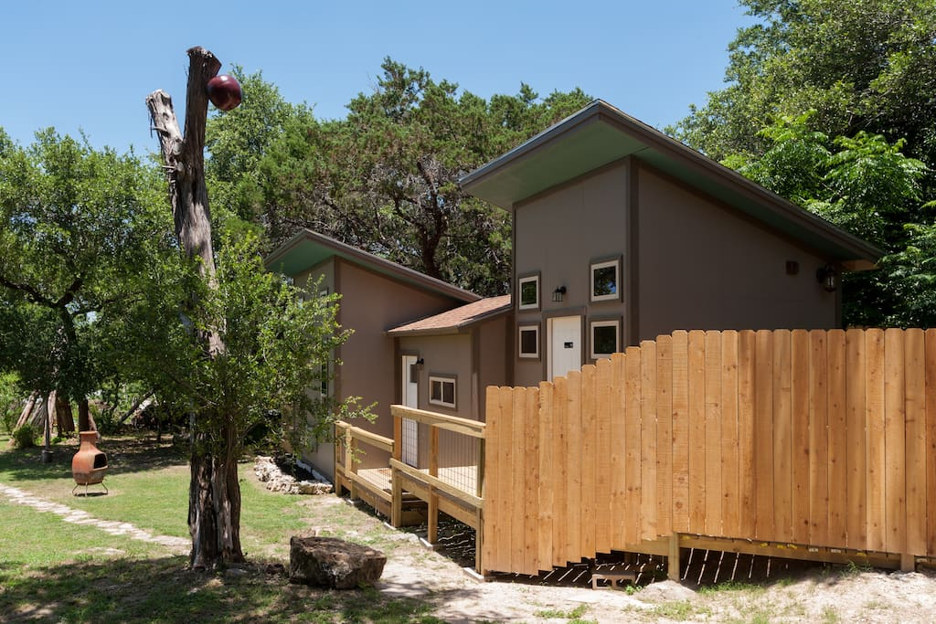 Casey 39 s little lake travis cabin cabins for rent in austin for Austin cabin rentals