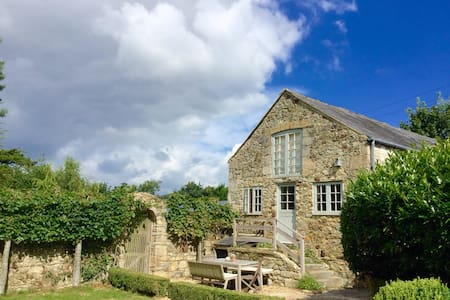 Beautiful barn in peaceful valley - Brighstone - House
