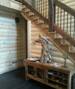 Running Creek Log Cabin - La Grange - Stuga