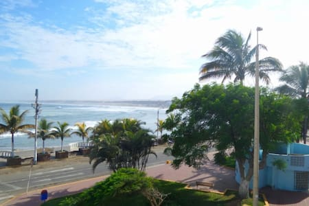 Ocean view front row entire condo in Huanchaco - Huanchaco - Kondominium