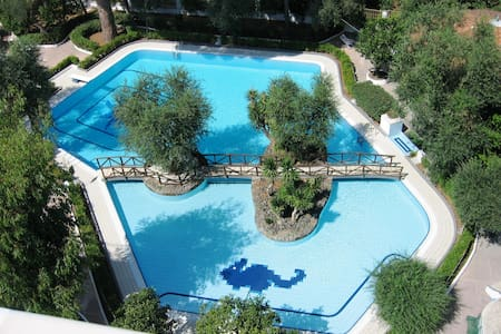 SORRENTO RESORT AND POOL - SMERALDO GUEST HOUSE - Sorrento - House