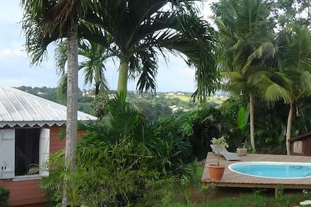 Agréable bungalow piscine (locvoit) - Lakás
