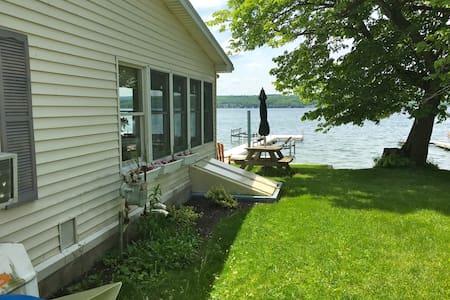 Shore Haven Retreat - Rumah