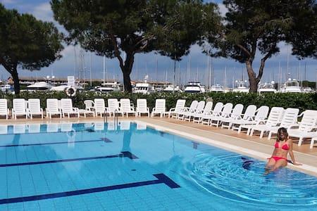 3room Ap .Verde -Aprilia Marittima - Bevazzana - Lägenhet
