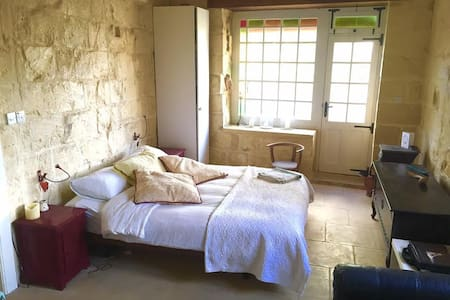 Top 20 malta verhuur van villa 39 s en bungalows airbnb for Home decor xewkija
