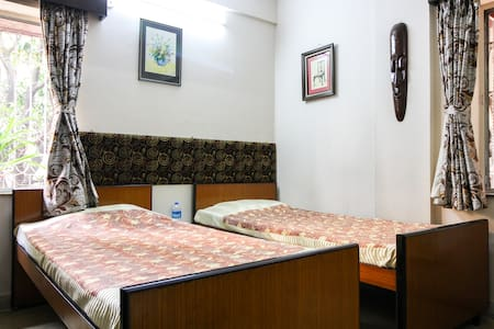 Comfortable stay for 2- Advani Homestay - Kolkata