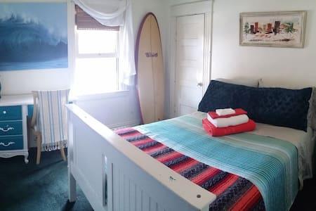 Surfer's Paradise III! Historic Huntington! - Σπίτι