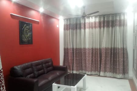 Room type: Private room Property type: House Accommodates: 2 Bedrooms: 1 Bathrooms: 3