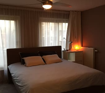 Fantastic separated room, 15 min from center - Leilighet