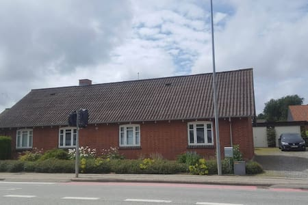 Nice and cosy old house in Struer near Limfjorden - Struer - Talo