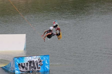 Outdoor Activities - Wakeboard Camp THAILAND - Guesthouse