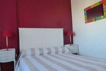 Chambre de charme Royan centre - Royan - Apartment